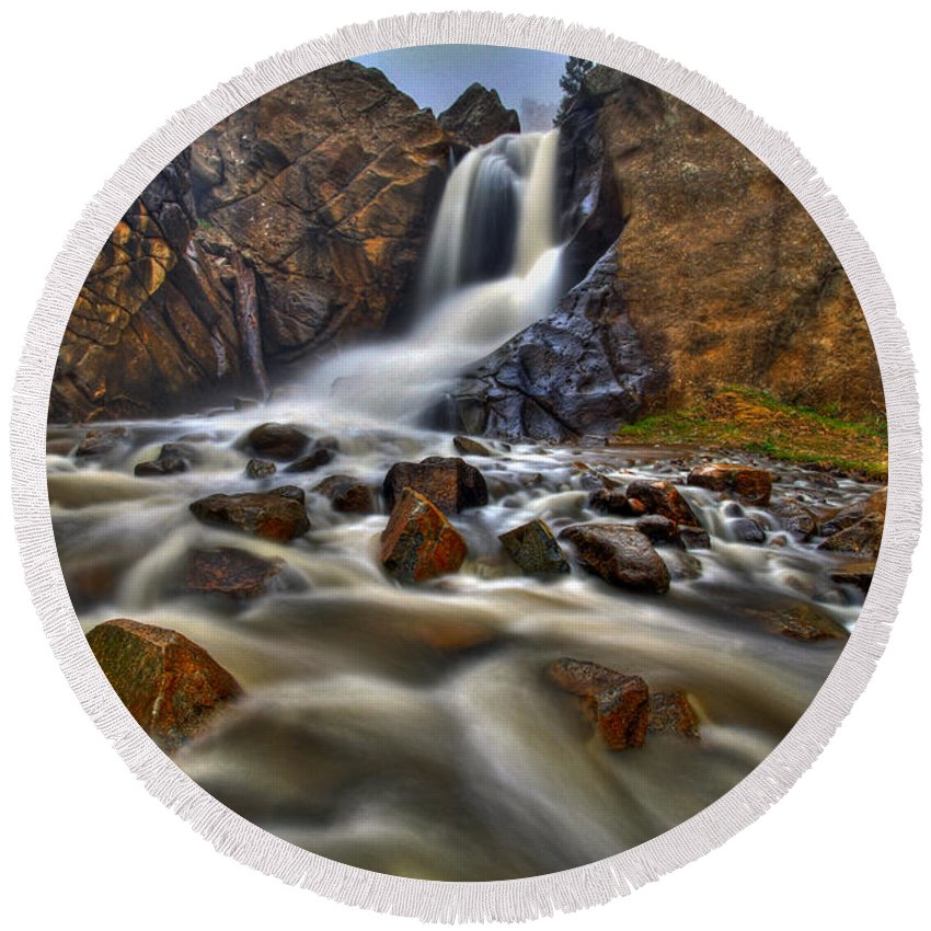 Waterfall Round Beach Towel featuring the photograph Waterfall Canyon by Scott Mahon