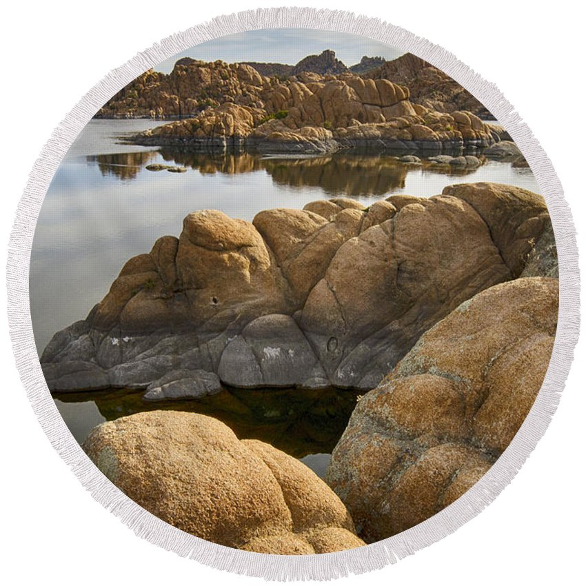 Watson Round Beach Towel featuring the photograph Watson Lake Arizona 13 by Bob Christopher
