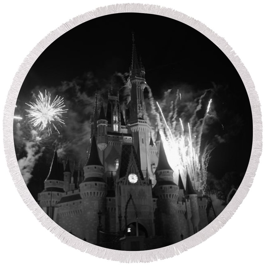 Walt Disney World Round Beach Towel featuring the photograph Cinderella Castle by Rob Hans