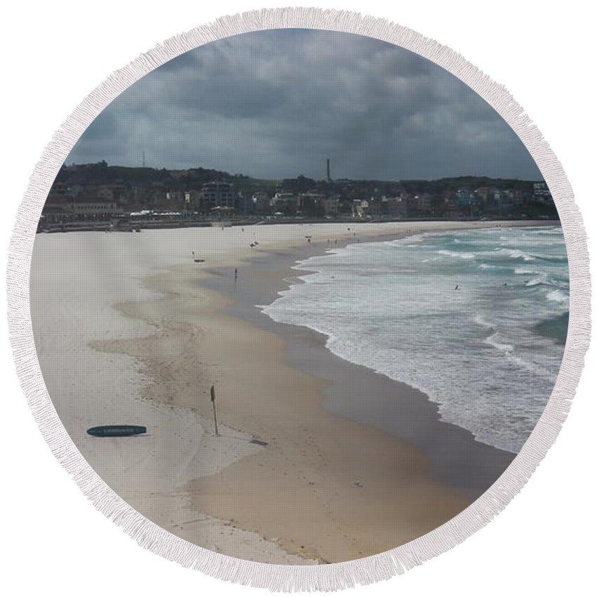 Australia Round Beach Towel featuring the photograph Australia - An Empty Bondi Beach by Jeffrey Shaw