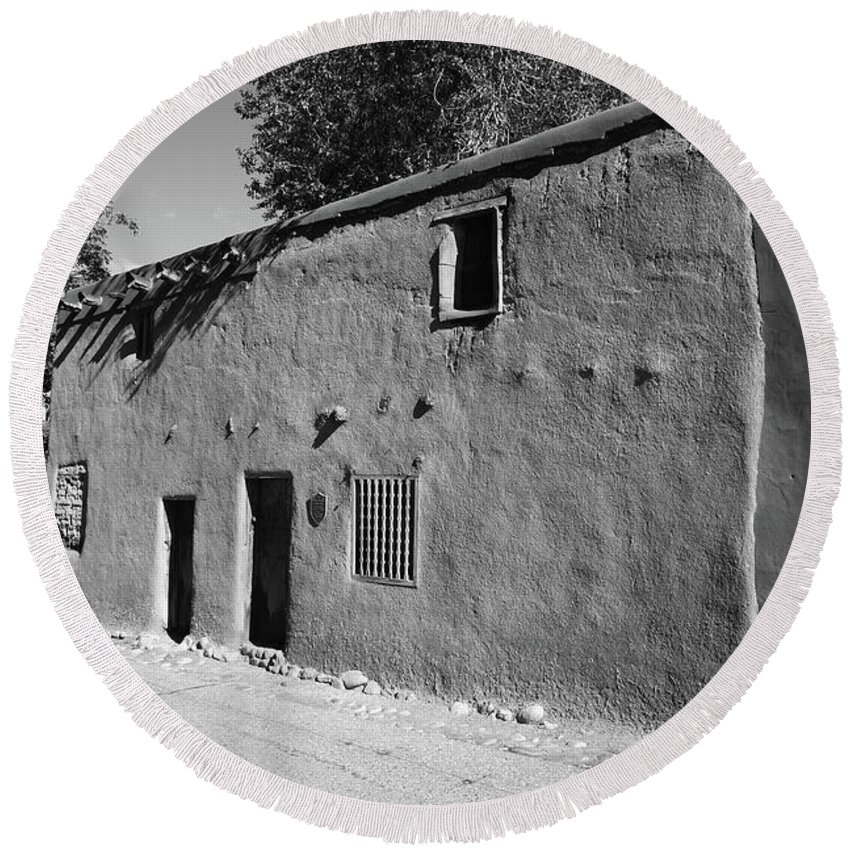 66 Round Beach Towel featuring the photograph Santa Fe - Adobe Building by Frank Romeo