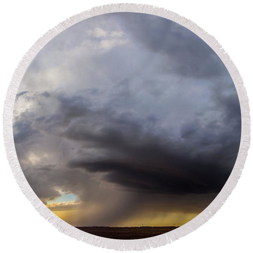 Nebraskasc Round Beach Towel featuring the photograph 2nd Storm Chase 2015 by NebraskaSC