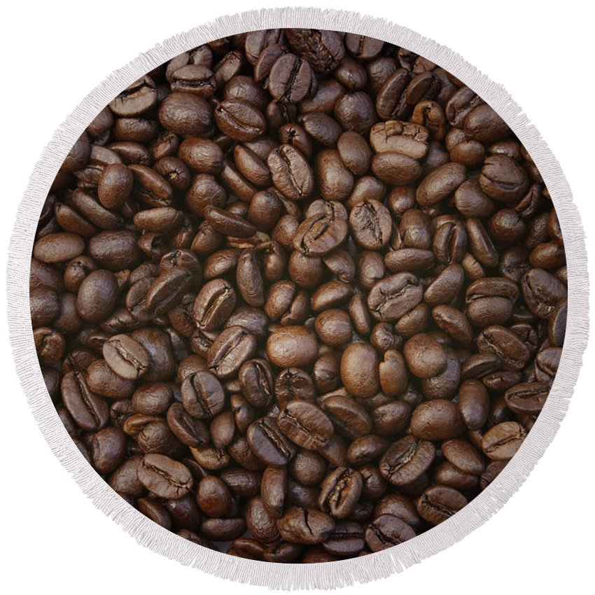 Bean Round Beach Towel featuring the photograph Coffee Beans by Les Cunliffe