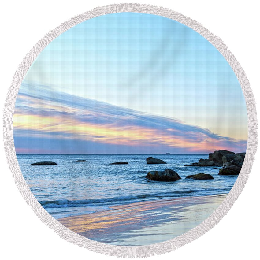 Cabbage Tree Harbour Round Beach Towel featuring the photograph Rocky Daybreak Seascape by Merrillie Redden