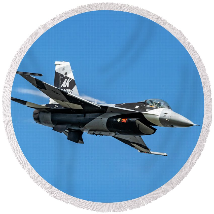 18th Aggressor Squadron Round Beach Towel featuring the photograph 18th Aggressor Sgn Viper Pulling Up Trailing Vapes by Joe Kunzler