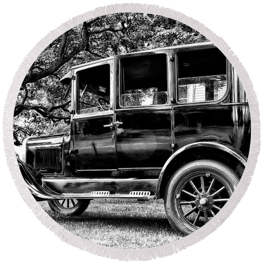 Ford Model T Round Beach Towel featuring the photograph 1926 Ford Model T by Bill Cannon
