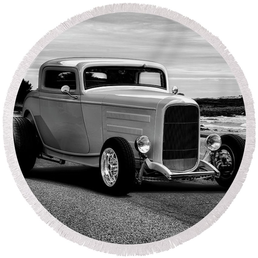 Auto Round Beach Towel featuring the photograph 1932 Ford Coupe 'black And White' by Dave Koontz
