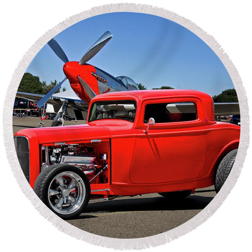 Auto Round Beach Towel featuring the photograph 1932 Ford 'three Window' Coupe Vx by Dave Koontz