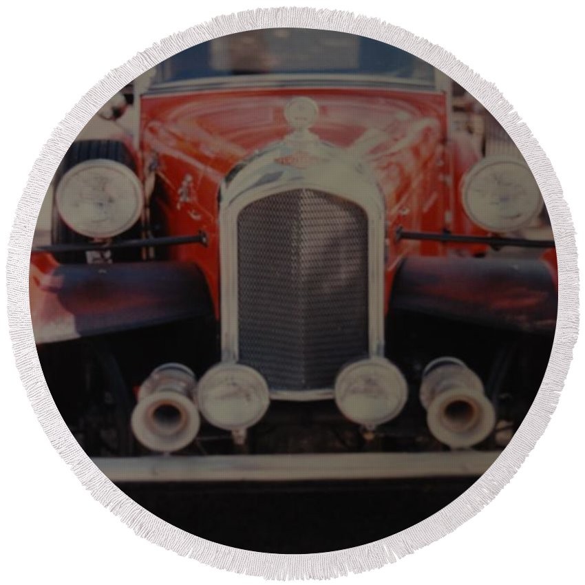 Car Round Beach Towel featuring the photograph 1932 by Rob Hans