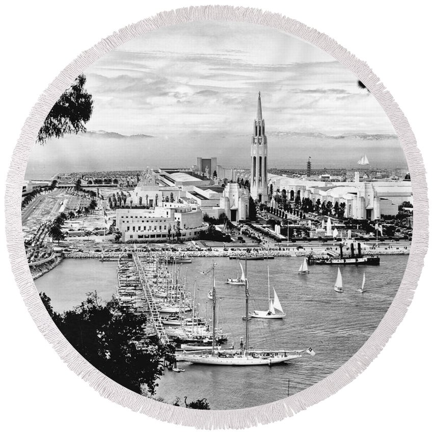 1930's Round Beach Towel featuring the photograph 1939 Treasure Island View by Underwood Archives
