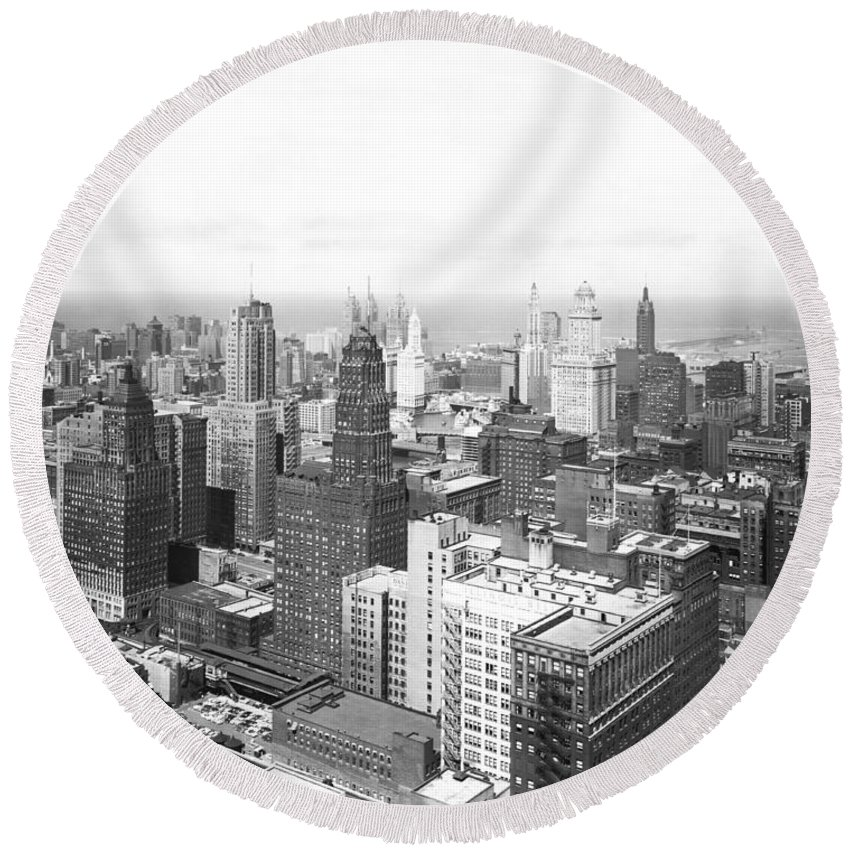 1950's Round Beach Towel featuring the photograph 1955 Downtown Chicago by Underwood Archives