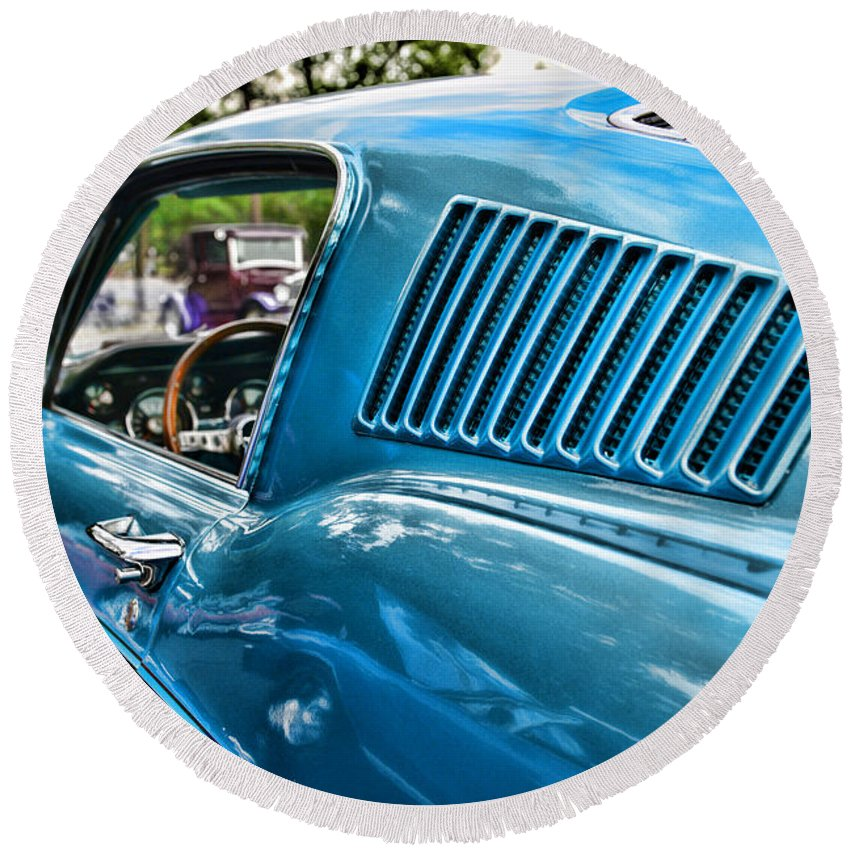 1968 Ford Mustang Fastback In Blue Round Beach Towel featuring the photograph 1968 Ford Mustang Fastback In Blue by Paul Ward
