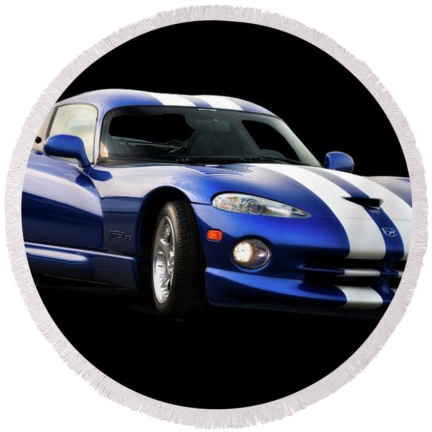 Auto Round Beach Towel featuring the photograph 1995 Dodge Viper IIi by Dave Koontz