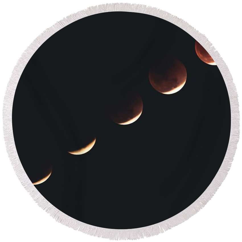 2018, The Super Blue Blood Moon Phases Round Beach Towel
