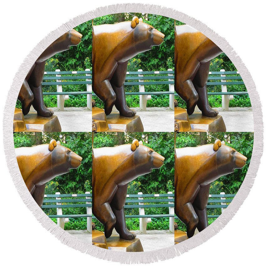 Statue Round Beach Towel featuring the painting Bronze Statue Sculpture Of Bear Clapping Fineart Photography From Newyork Museum Usa Fineartamerica by Navin Joshi