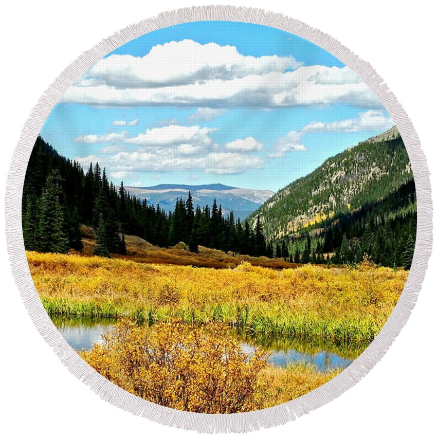 Landscape Round Beach Towel featuring the photograph Colorado Mountain Lake In Fall by Amy McDaniel