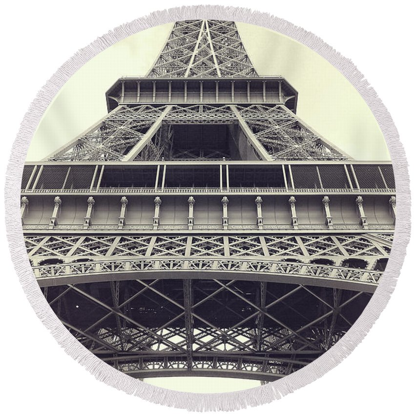 Photography Round Beach Towel featuring the photograph Eiffel Tower By The Seine by Ivy Ho