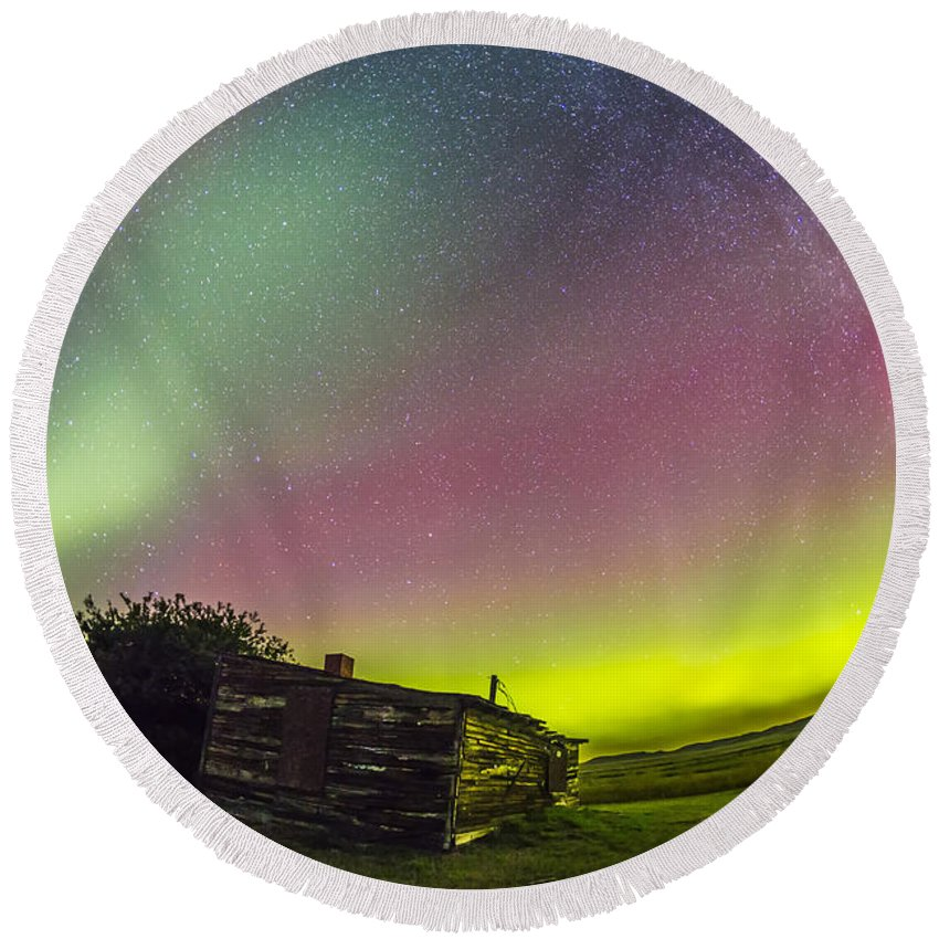 Aurora Round Beach Towel featuring the photograph Fish-eye Lens View Of The Northern by Alan Dyer