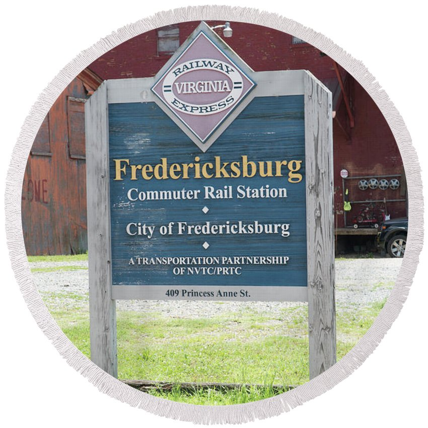 Fredericksburg Round Beach Towel featuring the photograph Fredericksburg Rail Station by Arthur English