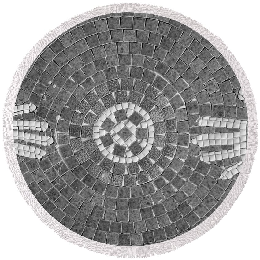 Black And White Round Beach Towel featuring the photograph Hans Mosaic by Rob Hans