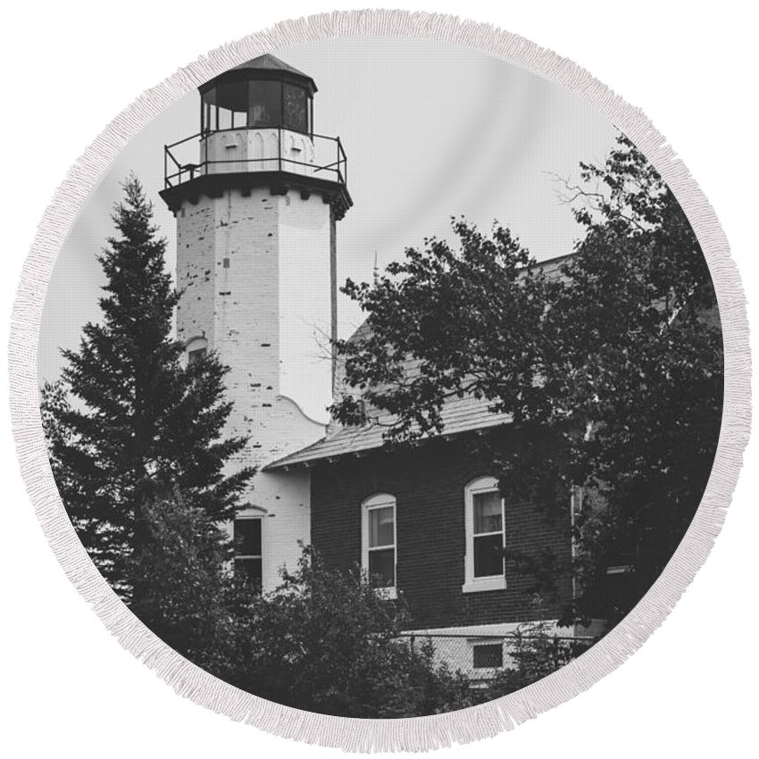 Lighthouse Round Beach Towel featuring the photograph Lighthouse by Wesley Farnsworth