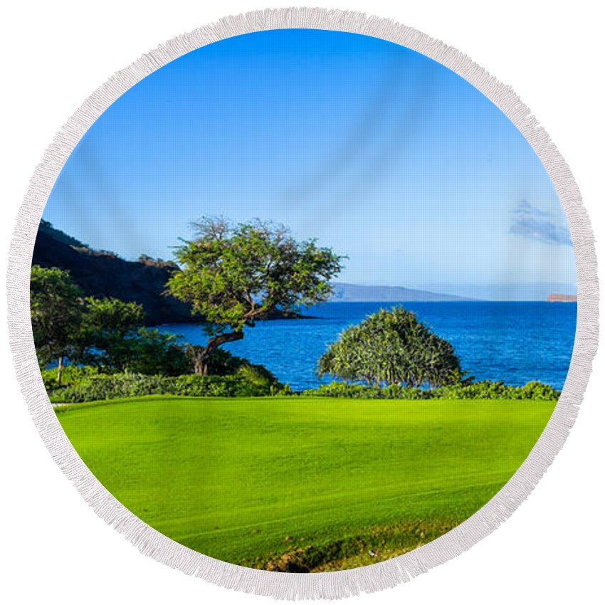 Photography Round Beach Towel featuring the photograph Makena Golf Course In Makena Area by Panoramic Images