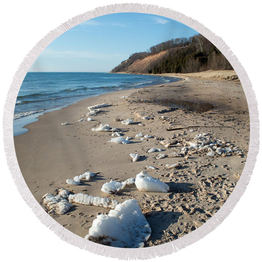 Michigan Round Beach Towel featuring the photograph Melting Ice by Linda Kerkau