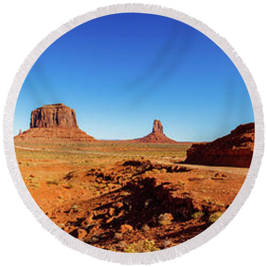 Monument Valley Round Beach Towel featuring the photograph Monument Valley by Raul Rodriguez