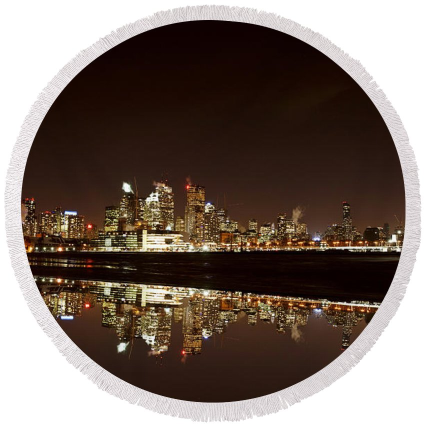 City Round Beach Towel featuring the photograph Night Shot Toronto by Mark Duffy