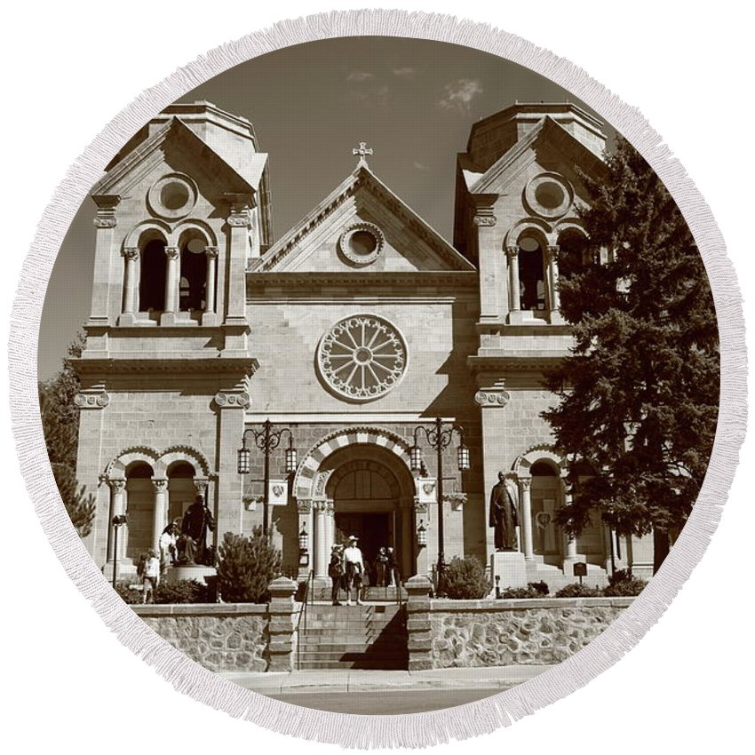 America Round Beach Towel featuring the photograph Santa Fe - Basilica Of St. Francis Of Assisi by Frank Romeo