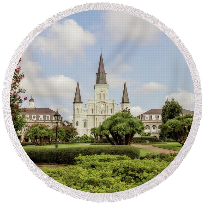St. Louis Cathedral Round Beach Towel featuring the photograph St. Louis Cathedral - Hdr by Scott Pellegrin