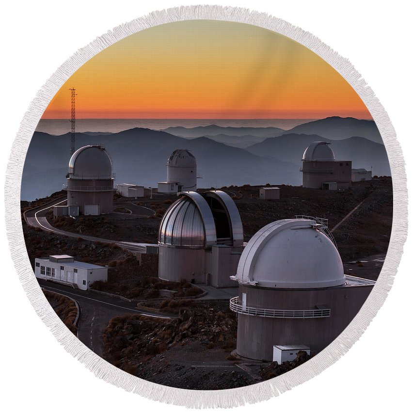 Night Round Beach Towel featuring the photograph Sunset Over The La Silla Observatory by Babak Tafreshi