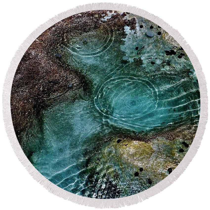 Sea Shore Round Beach Towel featuring the photograph Tide Pool by Craig Wood