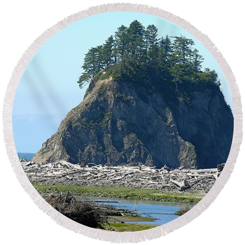 Ocean Round Beach Towel featuring the photograph Washington Coast by Diane Greco-Lesser