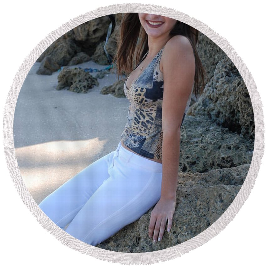 Women Round Beach Towel featuring the photograph Gisele by Rob Hans