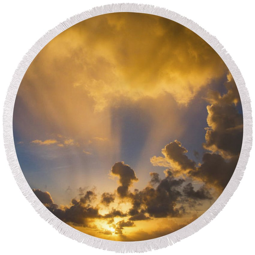 Sunrise Round Beach Towel featuring the photograph 2016 First Sunrise 2 by Bob Slitzan
