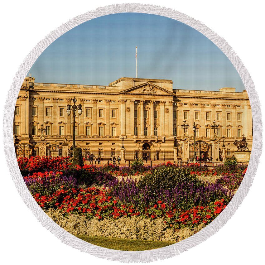 London Round Beach Towel featuring the photograph Buckingham Palace, London, Uk. by Nigel Dudson