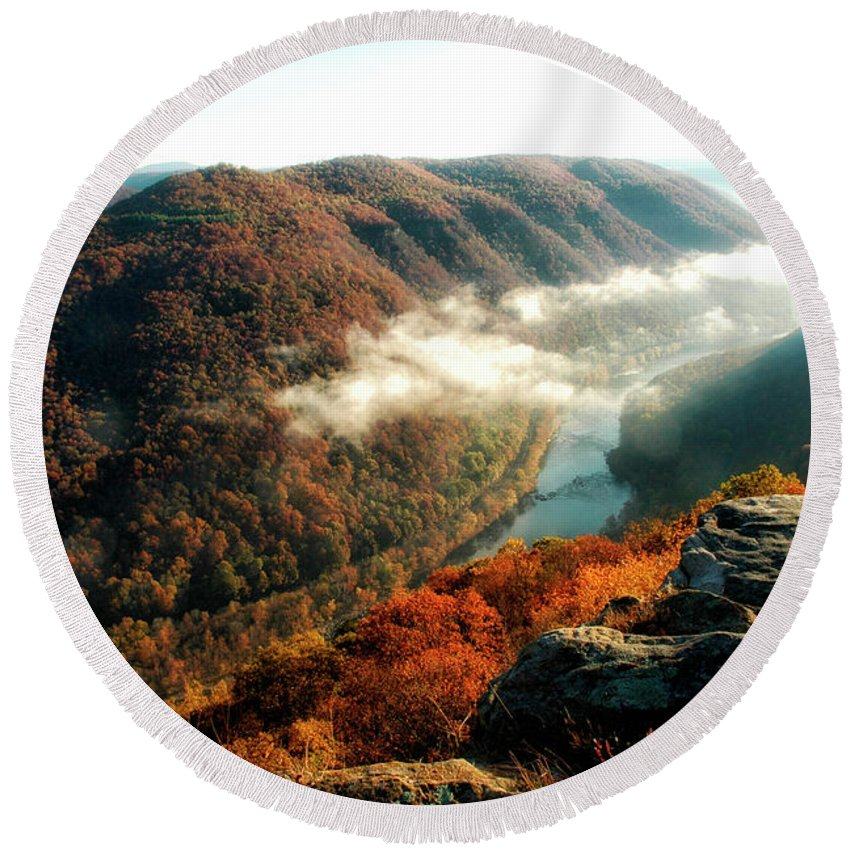 New River Gorge Round Beach Towel featuring the photograph Grandview New River Gorge by Thomas R Fletcher