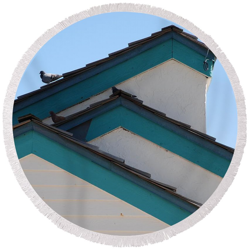 Birds Round Beach Towel featuring the photograph 3 Roofs by Rob Hans