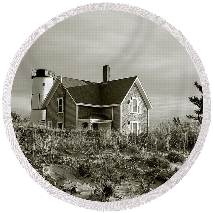 Sandy Neck Round Beach Towel featuring the photograph Sandy Neck Lighthouse by Charles Harden