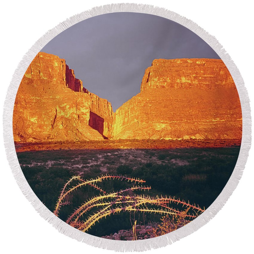 317828 Round Beach Towel featuring the photograph 317828 Sunrise On Santa Elena Canyon by Ed Cooper Photography