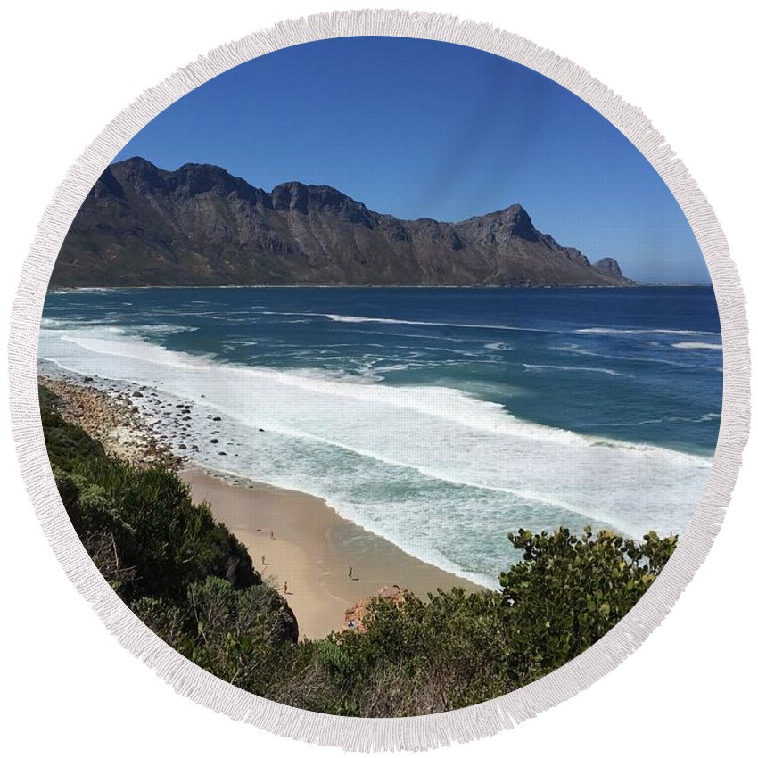 I Am. Round Beach Towel featuring the photograph 369 Looking Glass by Gerhard Jacobs