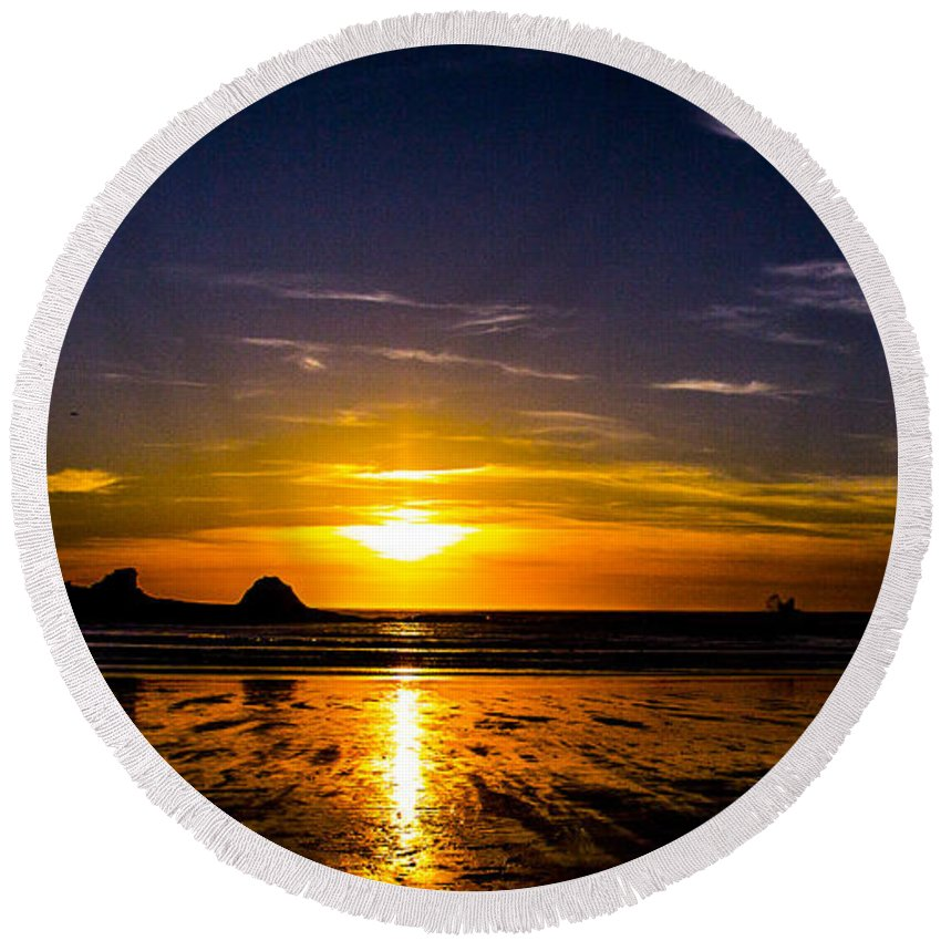 Round Beach Towel featuring the photograph Sunset Bay Beach by Angus Hooper Iii