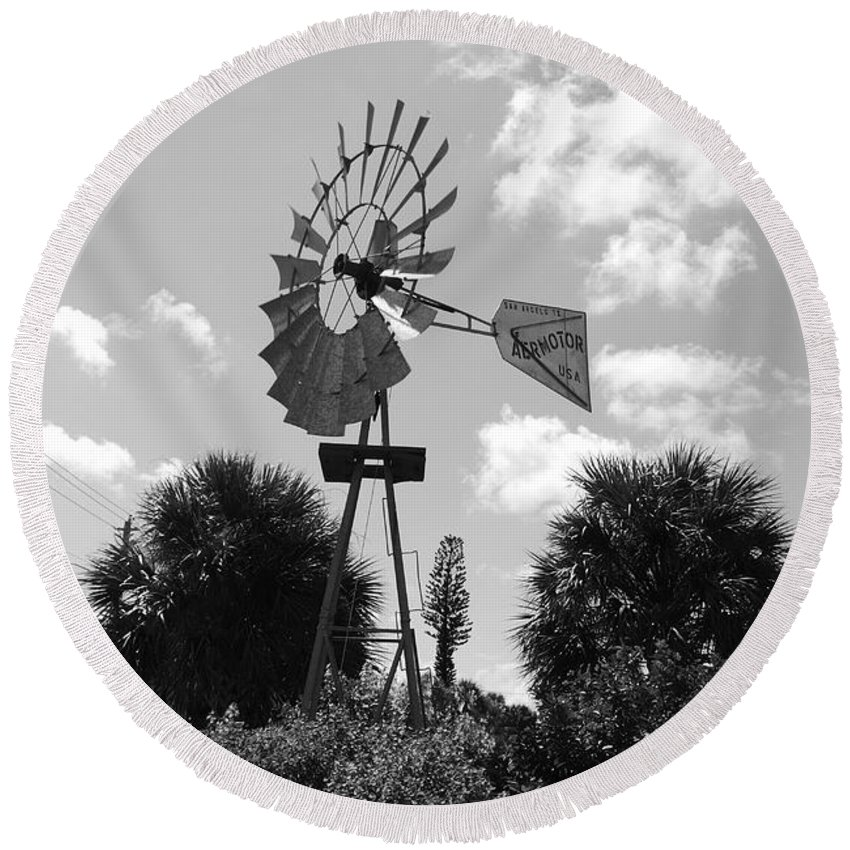 Black And White Round Beach Towel featuring the photograph Aermotor Windmill by Rob Hans