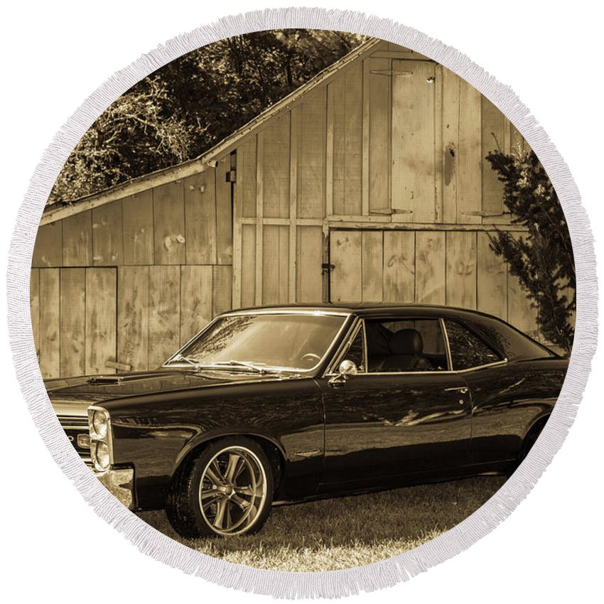 Gto Round Beach Towel featuring the photograph Classic Cars by Mickie Bettez