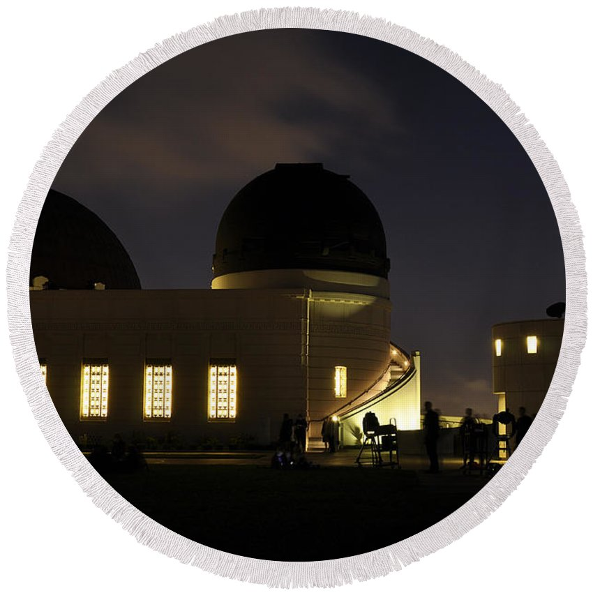 Clay Round Beach Towel featuring the photograph Night At Griffeth Observatory by Clayton Bruster