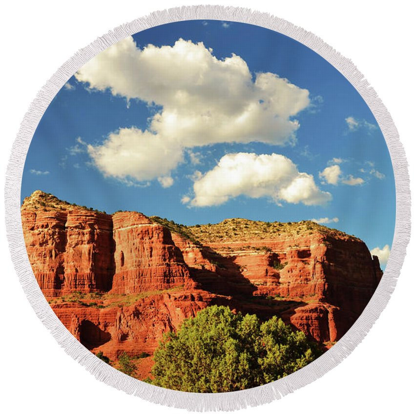 Scenic Round Beach Towel featuring the photograph Sedona Red Rocks by Richard Jenkins
