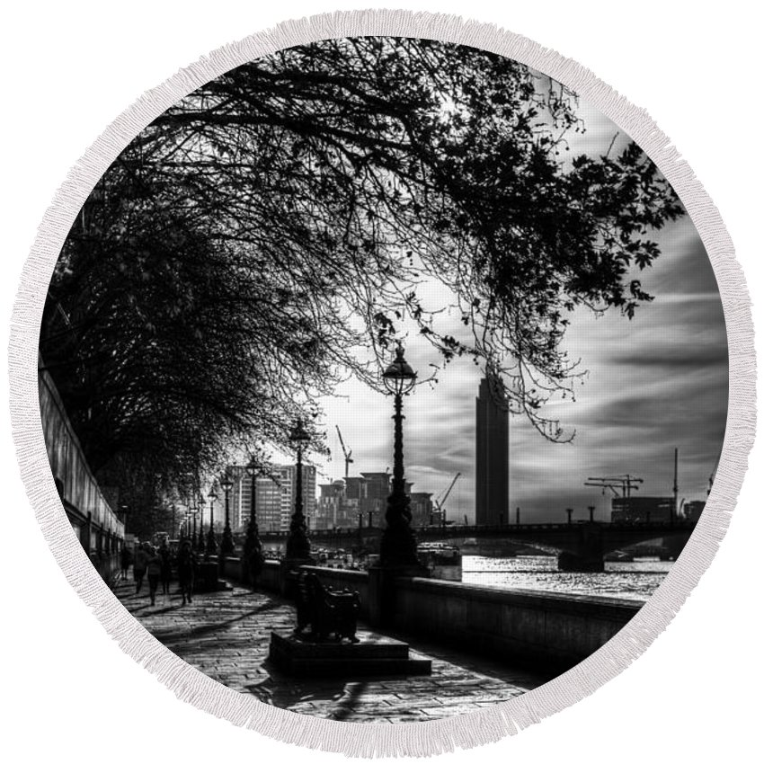 Westminster Round Beach Towel featuring the photograph The River Thames Path by David Pyatt