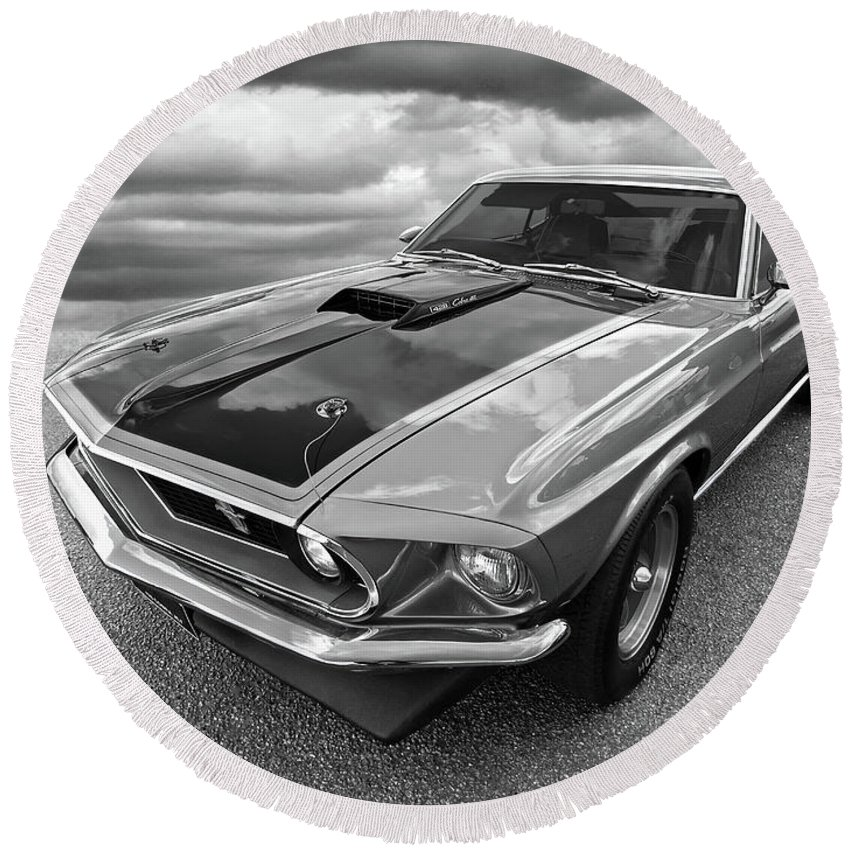 428 Cobra Jet Mach1 Ford Mustang 1969 In Black And White Round Beach Towel