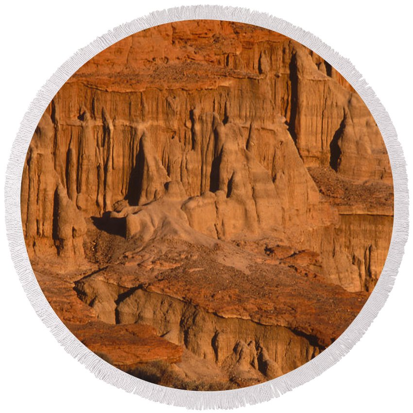 Red Cliffs Round Beach Towel featuring the photograph Red Cliffs by Soli Deo Gloria Wilderness And Wildlife Photography